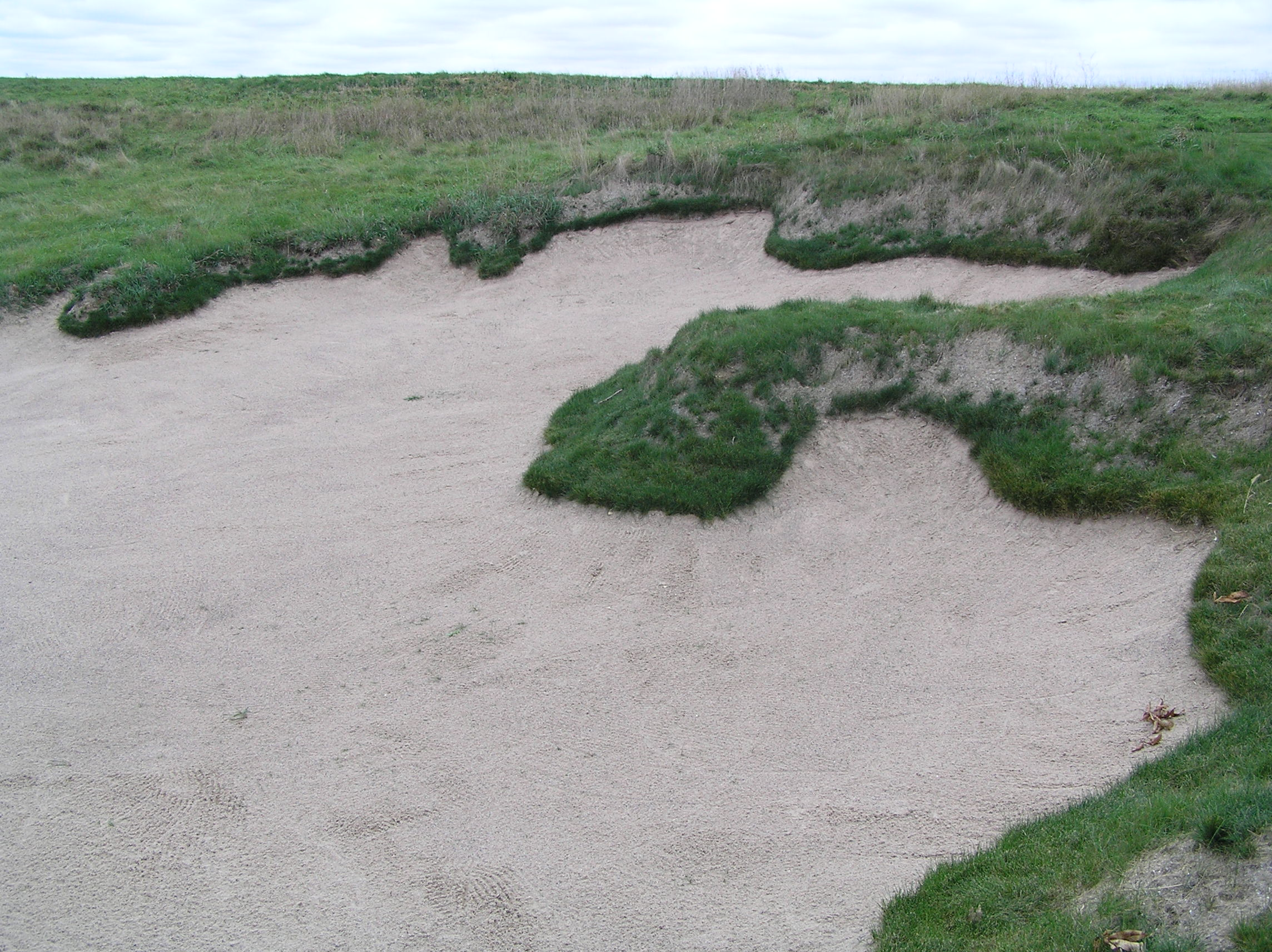 Steep Face Bunker Sand